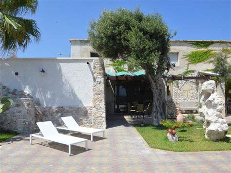la veranda sul mare torre dell orso roca vecchia villa sul mare con giardino e veranda