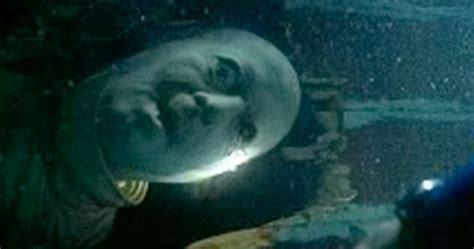 jaws sunken boat mr movie jaws 1975 movie review