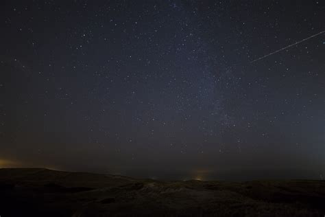 Meteor Shower Best Viewing Time by Perseid Meteor Shower 2016 How To Time Best View
