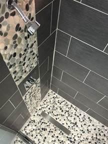 Supérieur Carrelage Douche Leroy Merlin #1: salle-de-bain-carrelage-gris-salle-de-bain-galet-carreaux-galet-salle-de-bain-grise.jpg