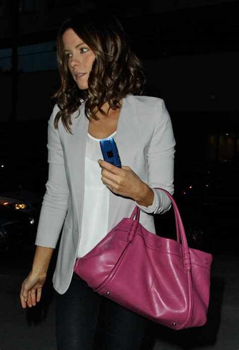 Kate Beckinsdale With Valentino Historie Purse by The Many Bags Of Kate Beckinsale Page 2 Of 23 Purseblog