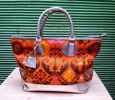 Tas Kulit Asli Bermotif Tenun Ikat Asli Flores tas batik premium angsa dua