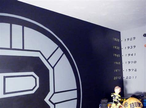 boston bruins bedroom boston bruins mural boy s hockey theme room