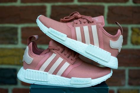 Sepatu Adidas Nmd Pink adidas pink nmd r1 womens size 7 5 pink s76006 og