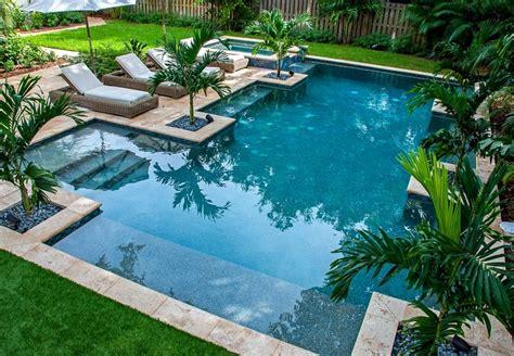 imagenes jardines con piscina fotos de piscinas y muebles de jard 237 n muy atractivos