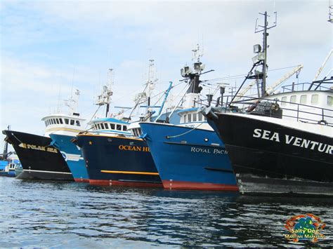 do sea hunt boats sink 2016 deadliest catch boat sinks deadliest catch boat sinks