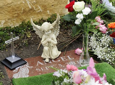 Grave Decorations For Babies by Baby Grave Decorations Best Baby Decoration