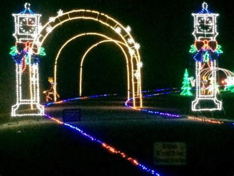 best christmas displays north myrtle beach best light displays in myrtle myrtle on the cheap
