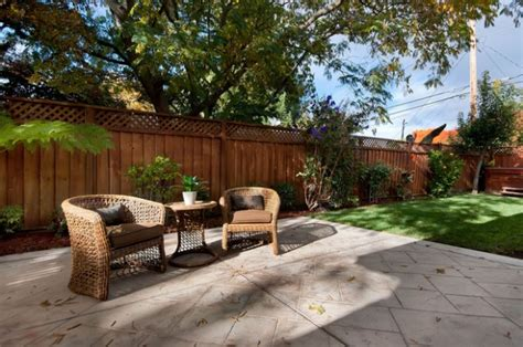 privacy fence for back yard patio ideas