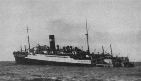 sinking boat canada british passenger ship athenia sinking after being
