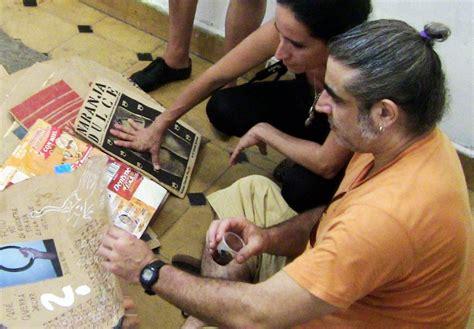 preguntas incomodas para fiestas las inc 243 modas preguntas de l 225 zaro saavedra cubanos en espa 241 a