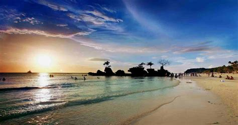 world most beautiful beaches top 5 most beautiful beaches in the philippines