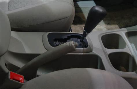 tutorial cara mengendarai mobil matic cara mengendarai mobil matik agar tidak boros okezone news