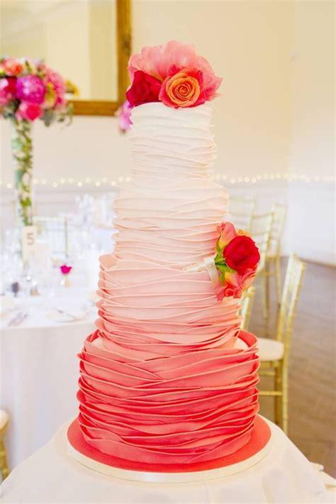 le pour cing pourquoi pas un joli ruffle cake pour mon dessert de mariage mariage
