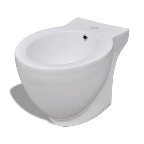 stand bidet der standbidet stand bidet bodenstehend bidet keramik wei 223