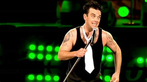 supreme robbie williams robbie williams supreme live at knebworth