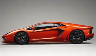 Side View Of Lamborghini Lamborghini Aventador Car Reviews In India Driveinside