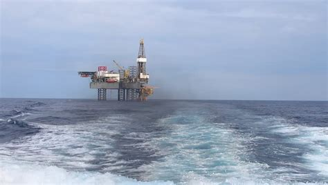 offshore drilling boats jack up drilling rig in the middle of the ocean view from