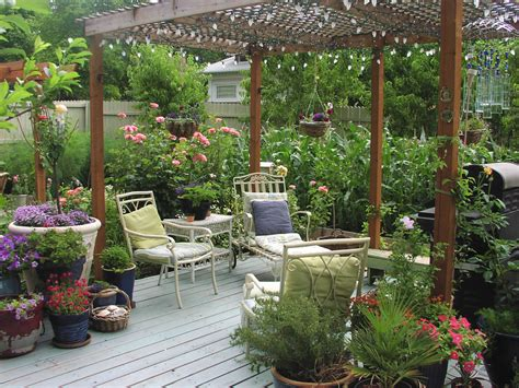 Deck Garden Smalltowndjs Com Decking Ideas For Gardens
