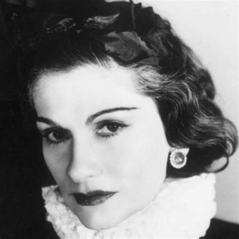 biography coco chanel video coco chanel fashion designer biography