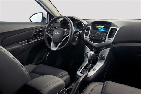 2014 Chevy Cruze Ls Interior by 2014 Chevrolet Cruze Reviews And Rating Motor Trend