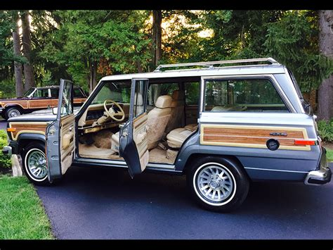 How Many Passengers Does A Jeep Grand Hold 1991 Jeep Grand Wagoneer Photos Informations Articles