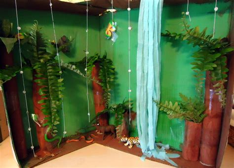 amazon rain forest diorama background and animals girl animal diorama shoebox rainforest habitat diorama image