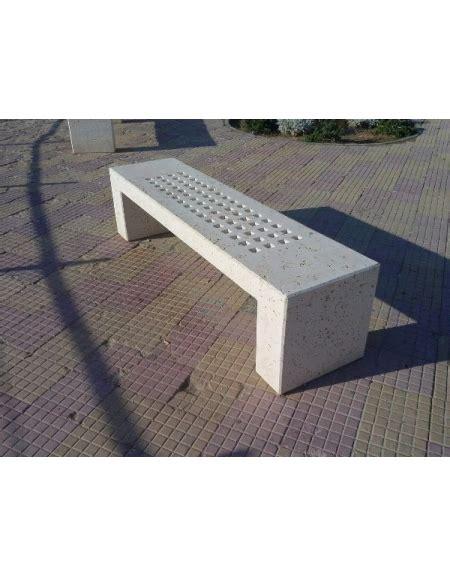 panchina cemento panchina in cemento con fori per arredo urbano colore