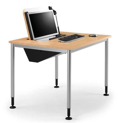 tavoli da computer tavolo con piedi regolabili porta pc a scomparsa idfdesign