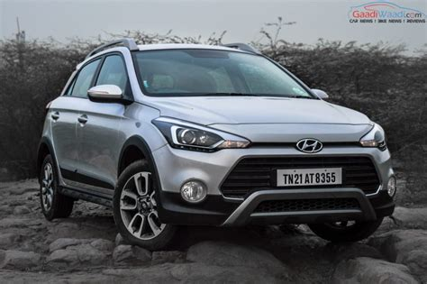 hyundai i20 active hyundai i20 active review road test gaadiwaadi