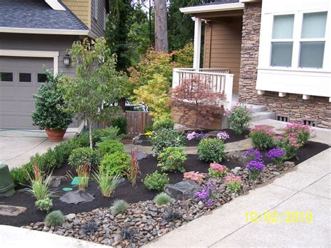 landscape design ideas for sloped front yard landscaping gardening ideas