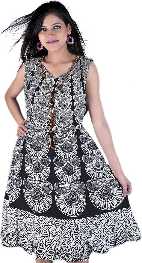Dress Stj ivory and black dress with jodhpuri print