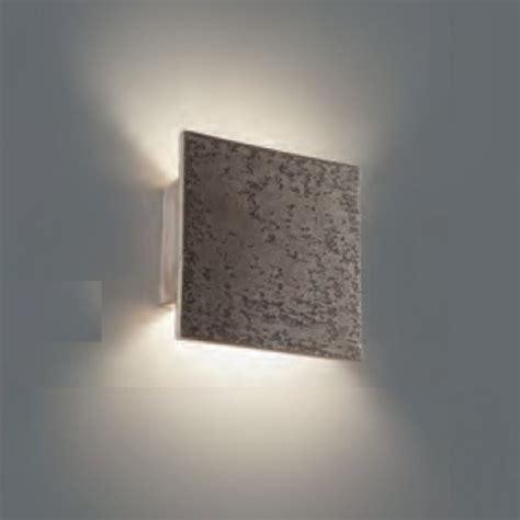 applique in pietra faretti per illuminare parete in pietra con parete pietra