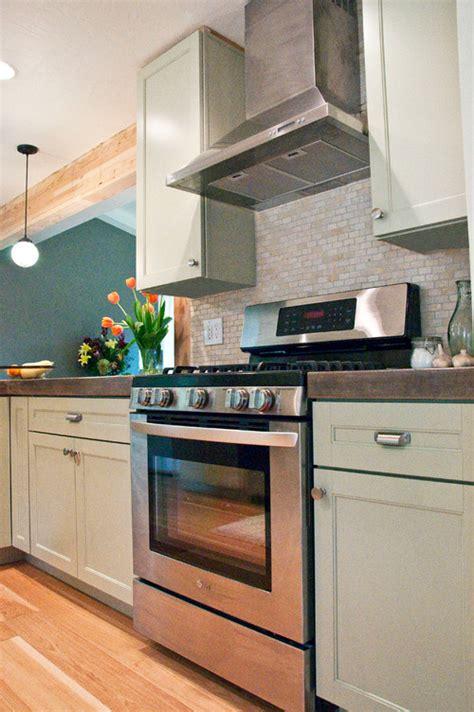 Martha Stewart Kitchen Cabinets Floor by Are The Cabinets In This Photo The Martha Stewart Ox Hill