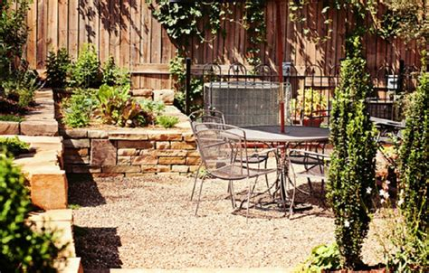 Raised Gravel Patio by Pea Gravel Patio Landscaping And Raised Flower Beds Pea