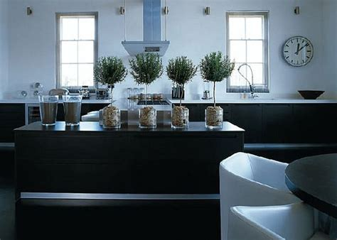 Kelly Hoppen Kitchen Design | black kitchen design ideas