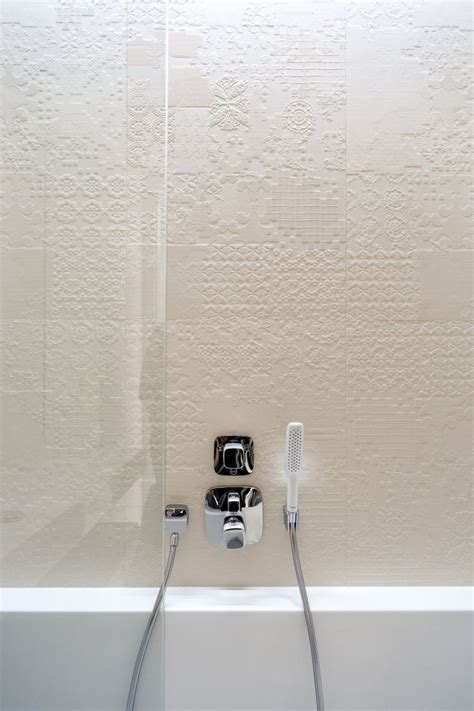 textured tiles bathroom 34 great ideas how to use grey textured bathroom tiles