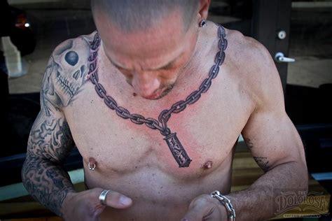 Round Neck Chain Tattoo For Men | round neck chain tattoo for men