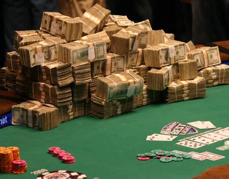 poker     year profitable   tables pokernews