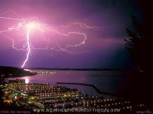 seattle lighting seattle lightning weather picture of the day