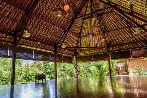 jungle yoga shala  yoga retreat  ubud bali photograph