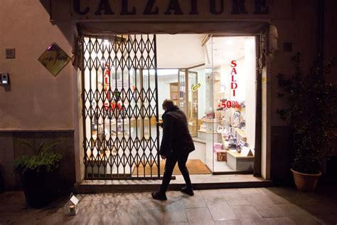 negozi candele roma quot giustizia per marco vannini quot candele e negozi chiusi a
