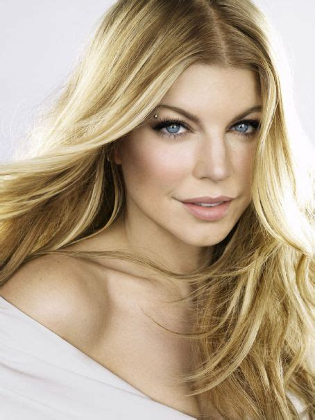 Fergie Is Beautiful by New Song Fergie Feel Alive Ft Pitbull That Grape