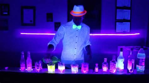glow in the dark lights drinks that glow under black lights youtube