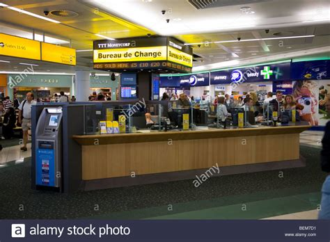 bureau de change gatwick airport bureau de change office operated by ttt moneycorp at