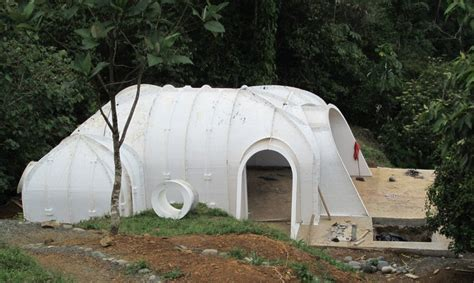 build green home a green roofed hobbit home anyone can build in just 3 days