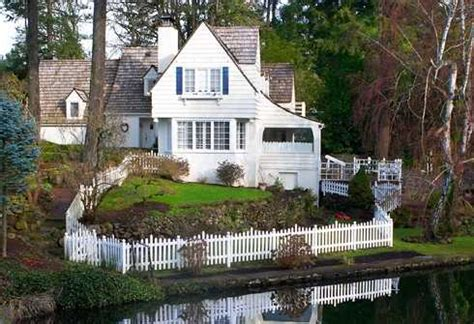 cottage style architecture standout cottage design material matters