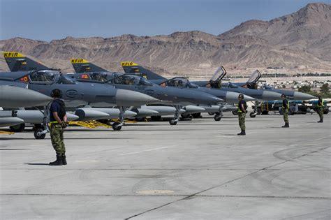 fuerza area colombiana fuerza area colombiana abren convocatoria para prestar servicio en la fuerza