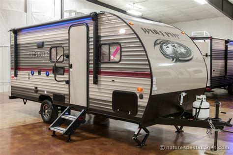 rent a 20 small travel trailer bunks rv rental cherokee wolf pup 16bhs by forest river cheyenne cing
