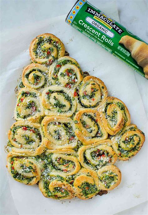cresent roll christmas tree with spinach and easy artichoke spinach pinwheels tree